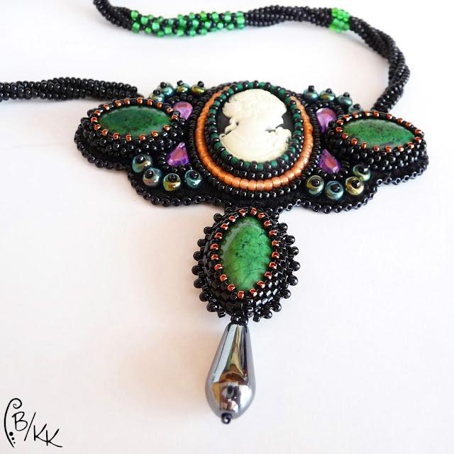 haft koralikowy naszyjnik z kameą | bead embroidery cameo necklace