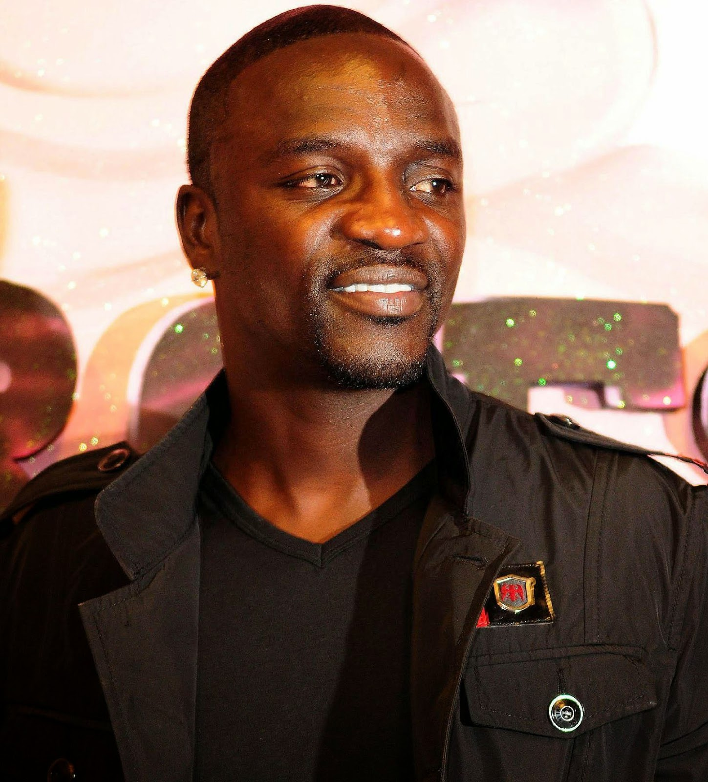 Addicted to Music   : Best Songs of Akon free download here