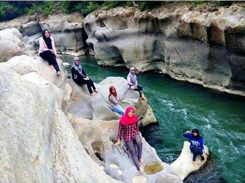Wisata Alam Kuala Paret