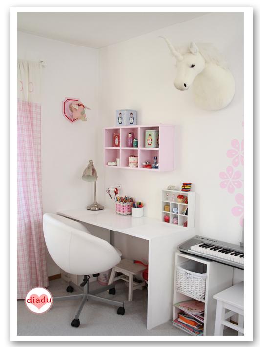 diadu schulkind schreibtisch. Black Bedroom Furniture Sets. Home Design Ideas
