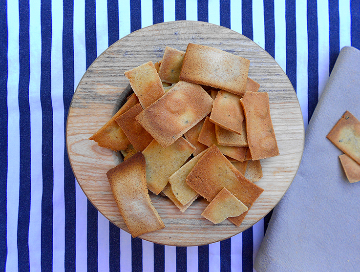 Buckwheat corn crackers