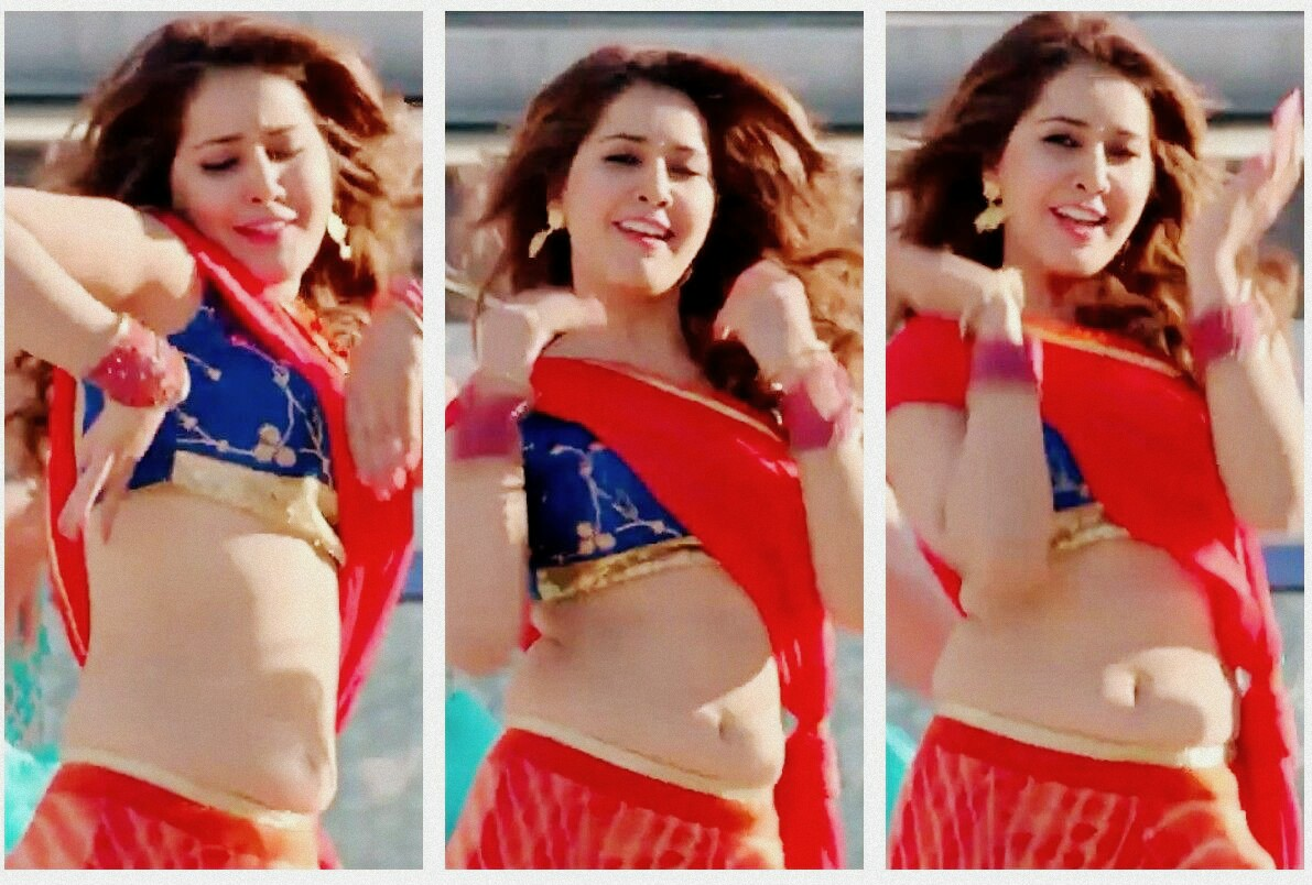 South-Indian Actress Rashi Khanna's Most Sexy Navel Pictures