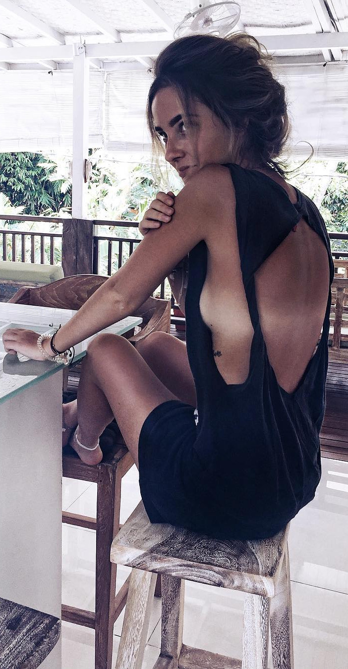 the best side-boobs romper to get inspired from
