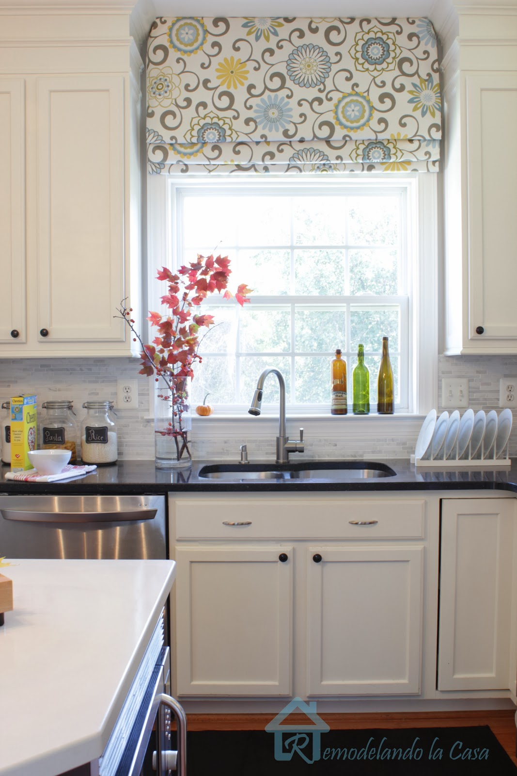 window treatments kitchen drawer replacement give your roman shades a new look remodelando la casa