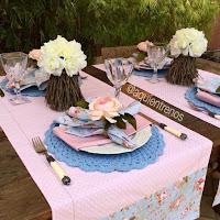 Sousplat de crochê e caminho de mesa