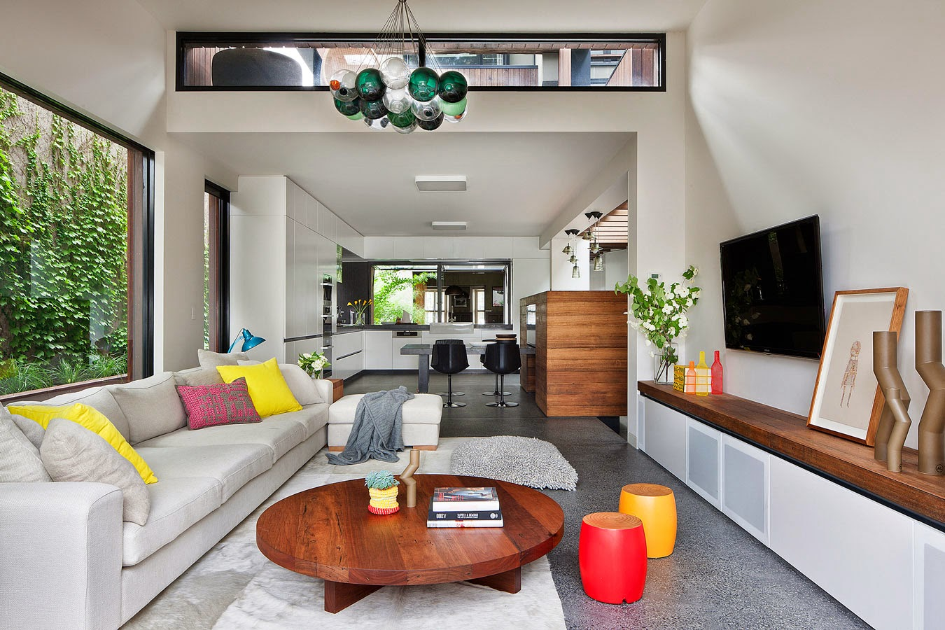 Rehabilitaci n de una casa antigua con aspecto moderno en Interiores de casas modernas 2015