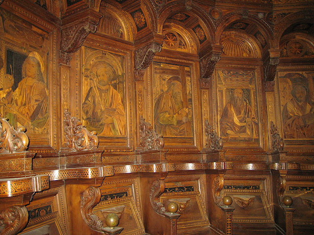 Cartuja de Pavía - coro de leña interior de la Iglesia