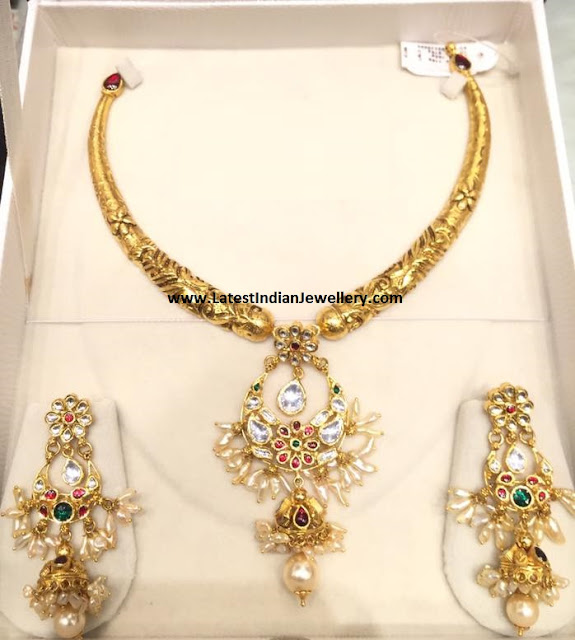 Lightweight Antique Necklace Set
