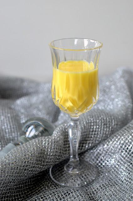 ajerkoniak Ajerkoniak- likier jajeczny