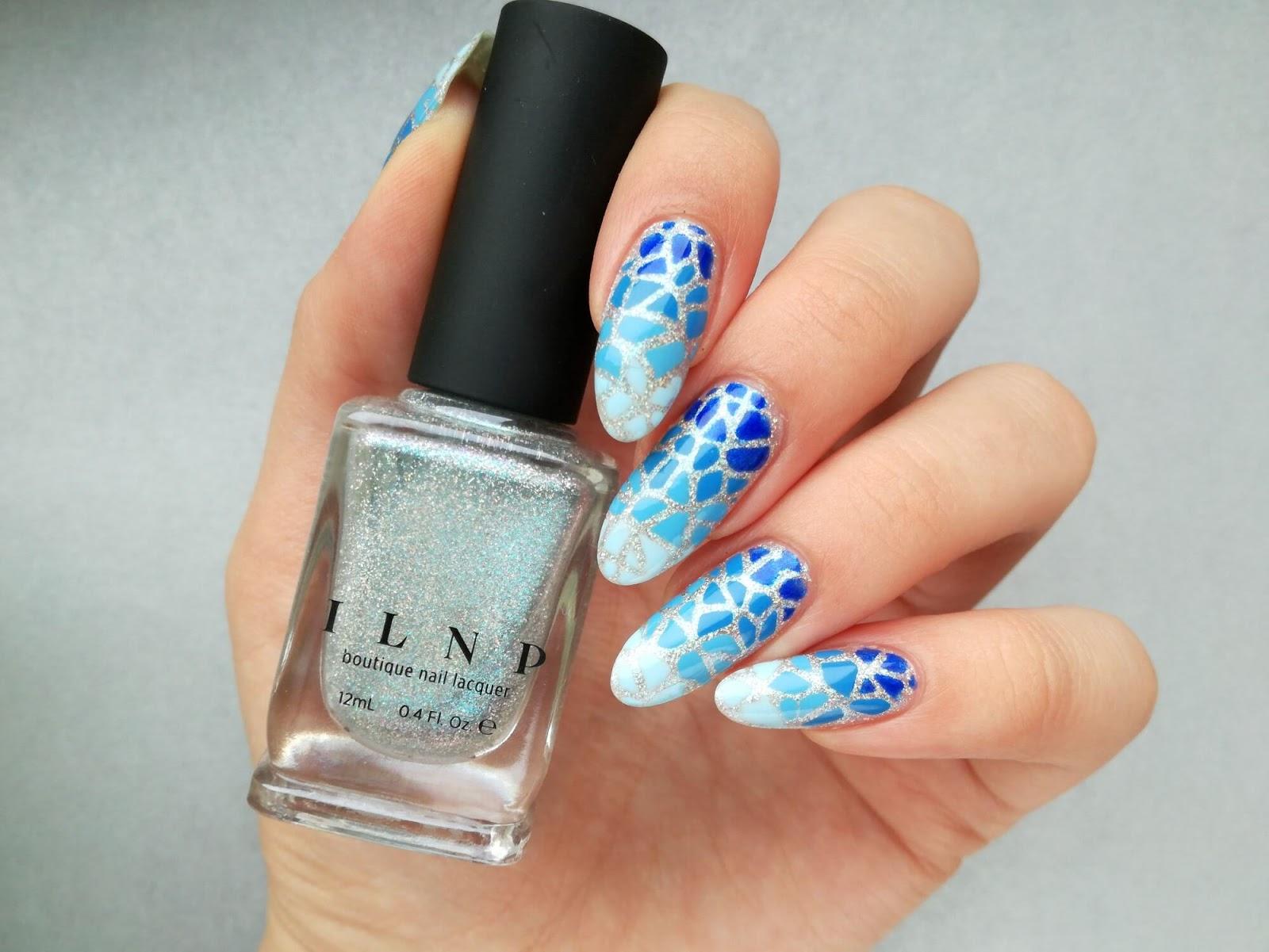Niebieskie paznokcie - oszukany gradient z szablonu