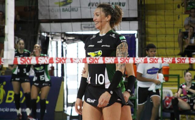 Com estreia histórica, Tiffany Abreu torna-se primeira atleta transexual da Superliga de Vôlei