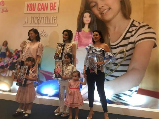 Dari kiri ke kanan  Wayne Chua dan anak perempuan Celestia e6ce8bc9ea