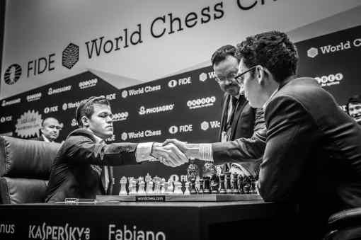 Qui va craquer le premier entre l'Américain Fabiano Caruana et le Norvégien Magnus Carlsen au championnat du monde d'échecs - Photo © site officiel