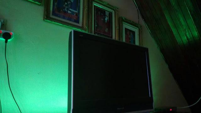 LAMPU PINTAR PHILIPS HUE