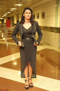 Shravya Reddy in Deep Neck Leg Split Black Gown at Rogue Movie Teaser Launch 1st March 2017 054.JPG