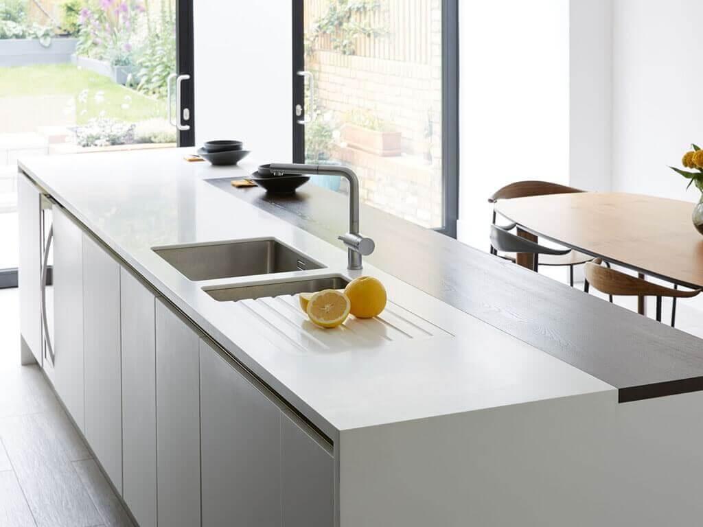 5 soluciones de islas de cocina con mesa para comer - Cocinas con estilo