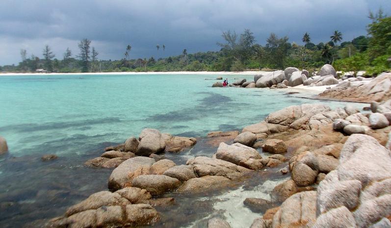 Nikmati Keindahan Pantai Trikora Tanjung Pinang di Kepulauan Riau
