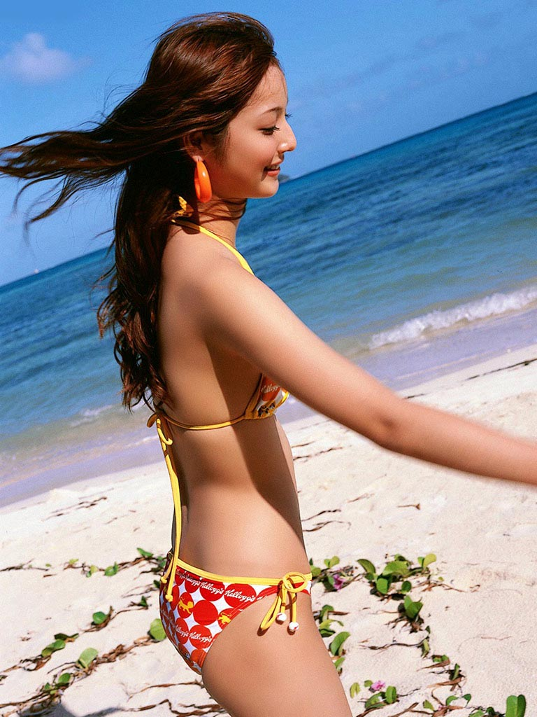Girls in bikinis have sex