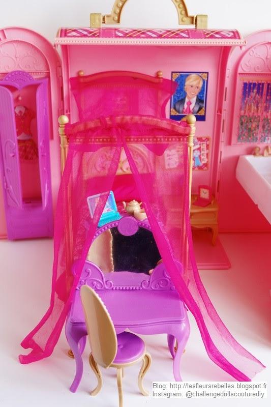 Détail coiffeuse Barbie