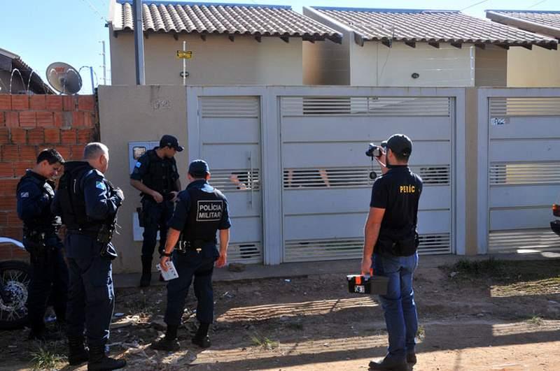 Guerra de facções deixa um morto com tiros no rosto e outro baleado em cativeiro — Campo Grande MS