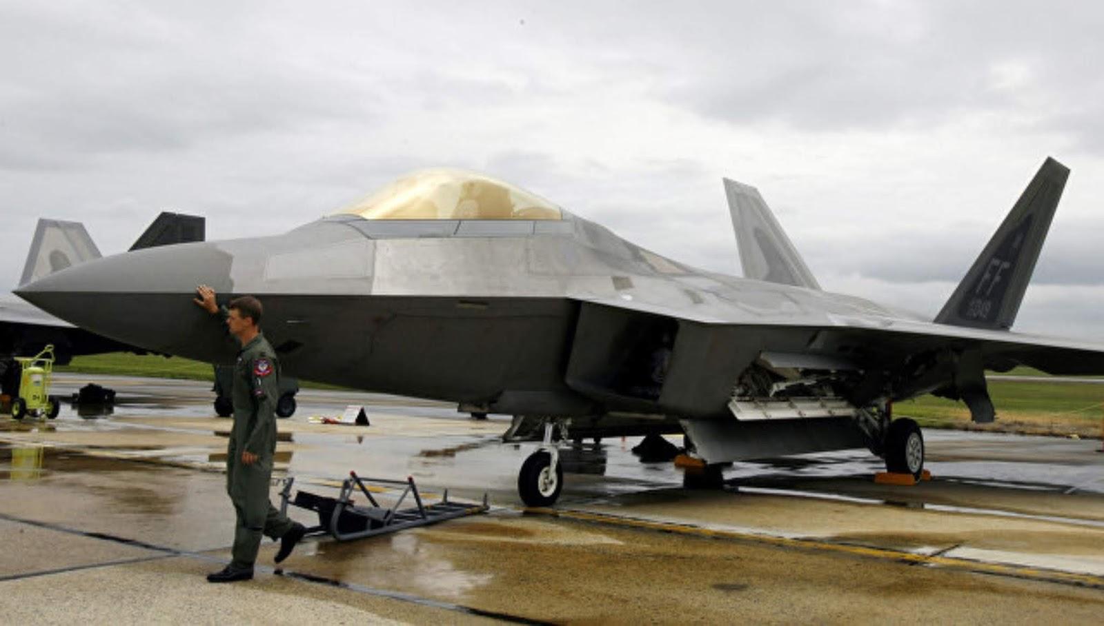 Angkatan Udara AS menyetujui rudal lebih canggih untuk pesawat F-22