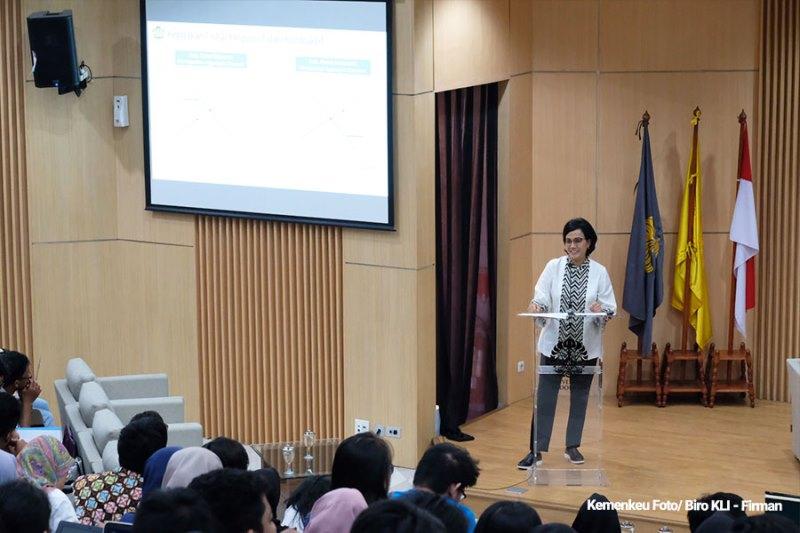 Menkeu Paparkan Terapan Kebijakan Fiskal Ala Indonesia pada Mahasiswa UI