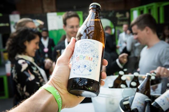 Ein Foto vom Google Bier