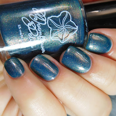 moonflower-polish-a-million-thoughts-swatch-2
