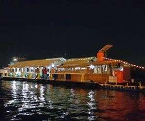 Lowongan Kerja sebagai Waiters cafe terapung Makassar