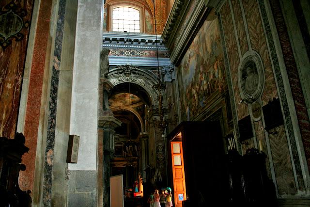 Gesù Nuovo Napoli, chiesa, monumento, turisti, decorazioni