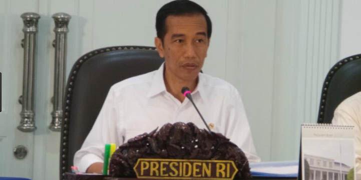 Daya Beli Turun, Jokowi Mendadak Panggil 18 Menteri