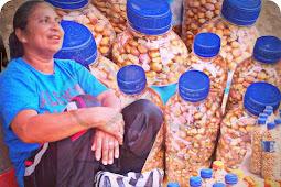 Kacang Tanah dan Jagung Goreng dari Selaru Seharga Rp15.000