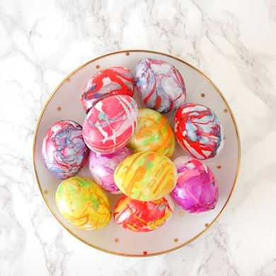 DIY Nail Polish Marbled Easter Eggs
