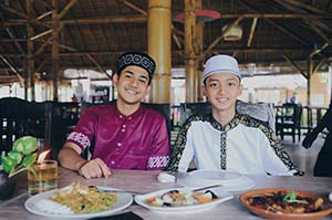 Syakir Daulay Bersama Gus Azmi