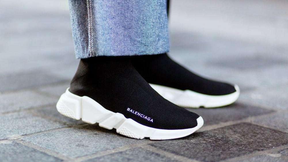 Schlüpfen wir direkt rein: Nach Sock-Boots kommen jetzt Sock-Sneaker