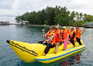 wisata banana boat karimunjawa