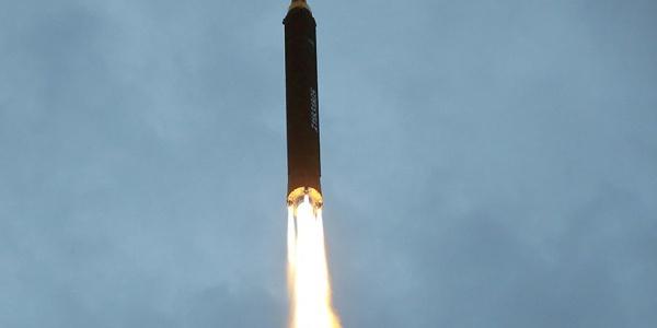 Η εκτόξευση του βορειοκορεατικού πυραύλου - «Αν γίνει πόλεμος η Νότια Κορέα θα γίνει έρημος» λένε οι Ρώσοι | Βίντεο