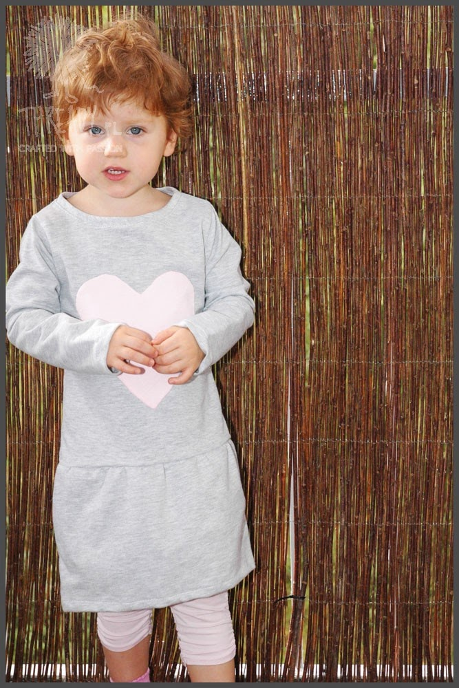 06f2775086 Thready - szycie z pasją  Jak uszyć dresową sukienkę dla dziewczynki