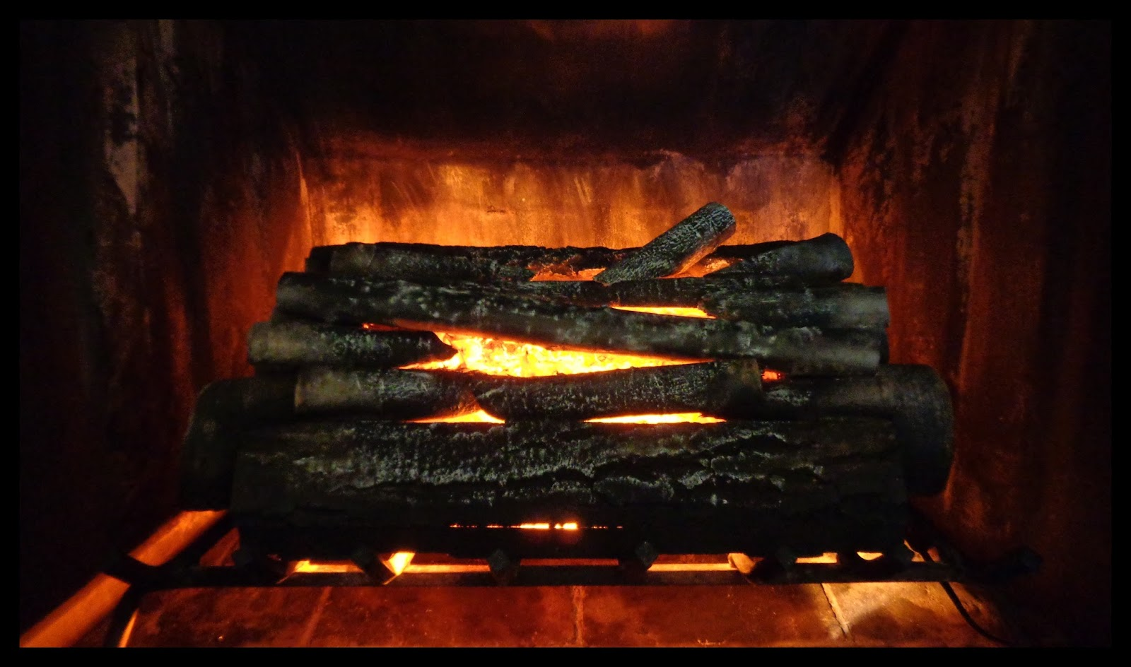 Manic Maker: Best Electric Fireplace Log Insert