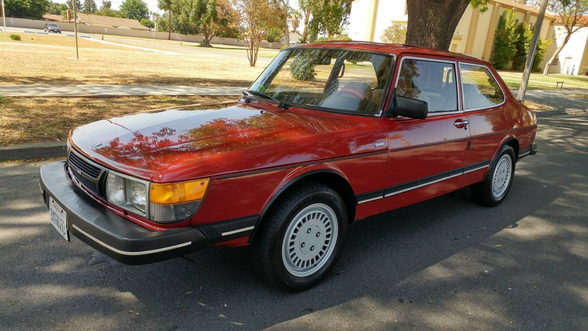 Daily Turismo  Born From Jets  1985 Saab 900s