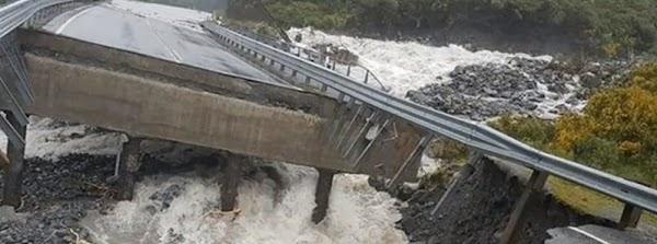 PREOCUPANTE: 12 meses de lluvia en 2 dias en nueva zelanda.