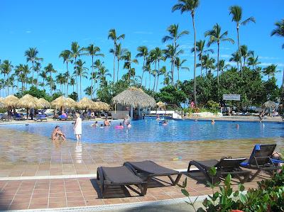 Piscina Hotel Sirenis Punta Cana, vuelta al mundo, round the world, mundoporlibre.com