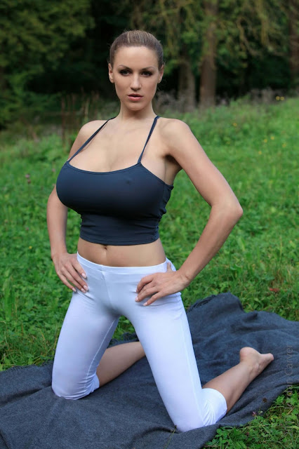 Jordan-Carver-Yoga-Hot-Sexy-HD-Photoshoot-Image-6