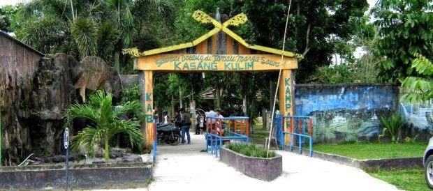 Di sepanjang jalan Pekanbaru anda sanggup melihat ciri khas dari moral disini yaitu para wan Tempat Wisata Terbaik Yang Ada Di Indonesia: 7 Tempat Wisata Di Pekanbaru Riau Yang Menakjubkan