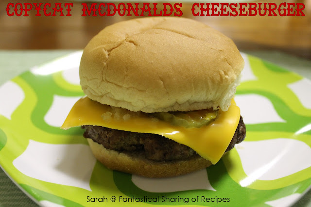 Copycat McDonald's Cheeseburger. Make your own cheeseburgers that taste just like the real thing, but you control what goes in! #McDonalds #cheeseburger #burger #copycat