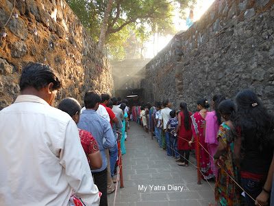 Darshan queue at the Jogeshwar Mahadeo temple during Shravan, Mumbai