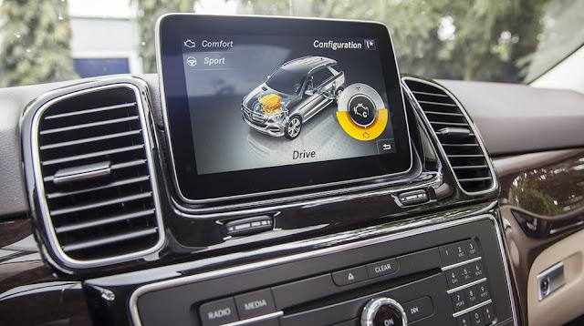 Mercedes GLE 400 4MATIC Exclusive sử dụng Màn hình màu TFT 8 Inch