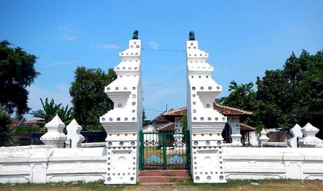 Gambar keraton Kanoman Cirebon