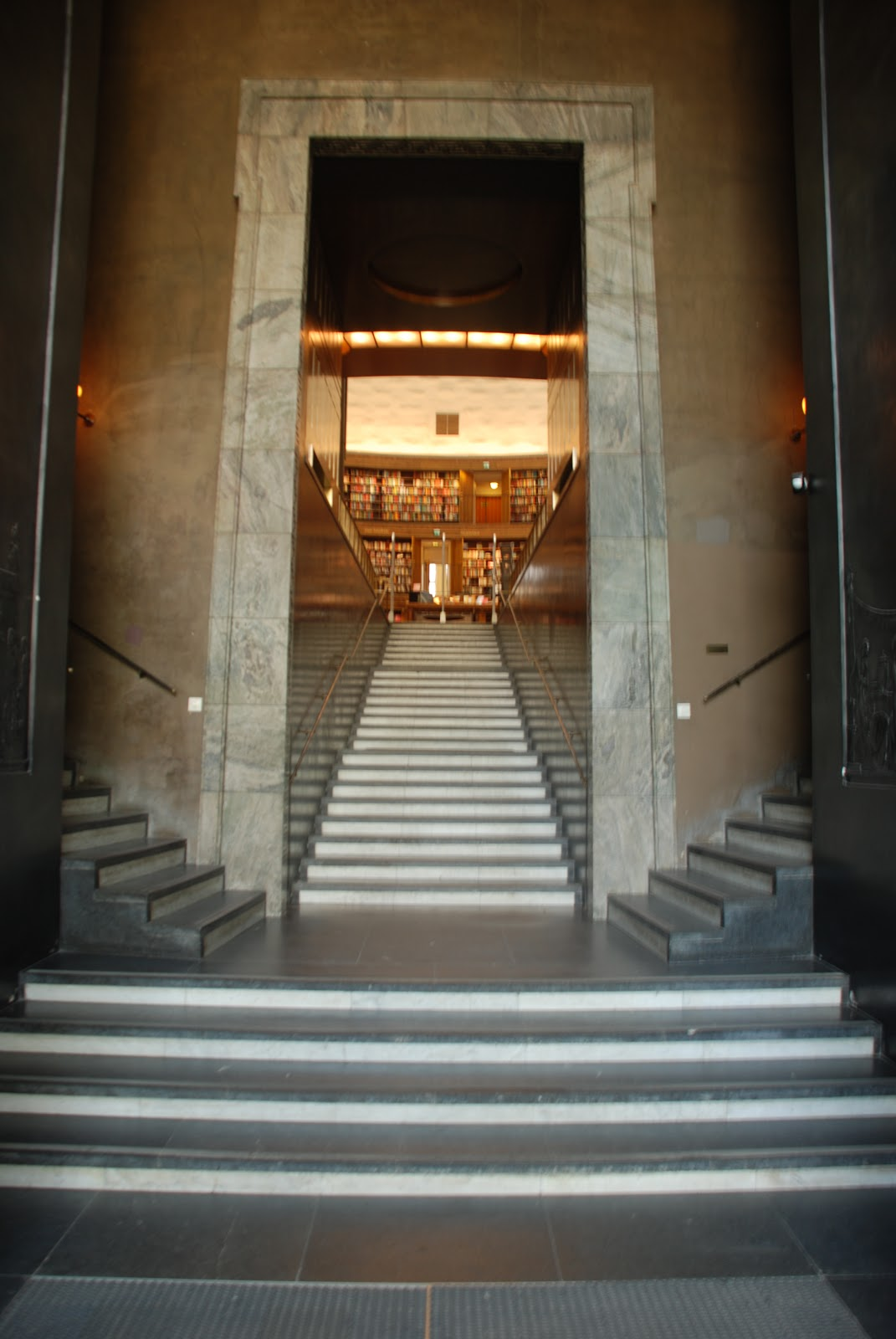 entrance hall, Stockholm Public Library - Gunnar Asplund
