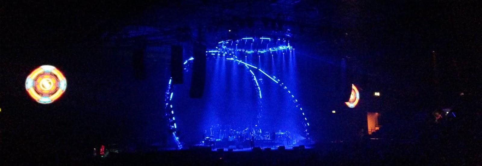 elobeatlesforever: Caught Live [2]: Jeff Lynne's ELO